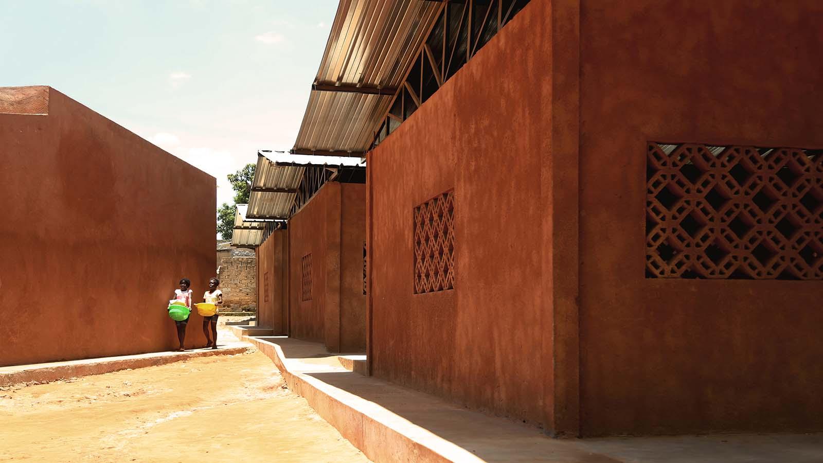 Escola de Kapalanga, Luanda. Paulo Moreira, con Parq arquitectos. Foto: Paulino Damião