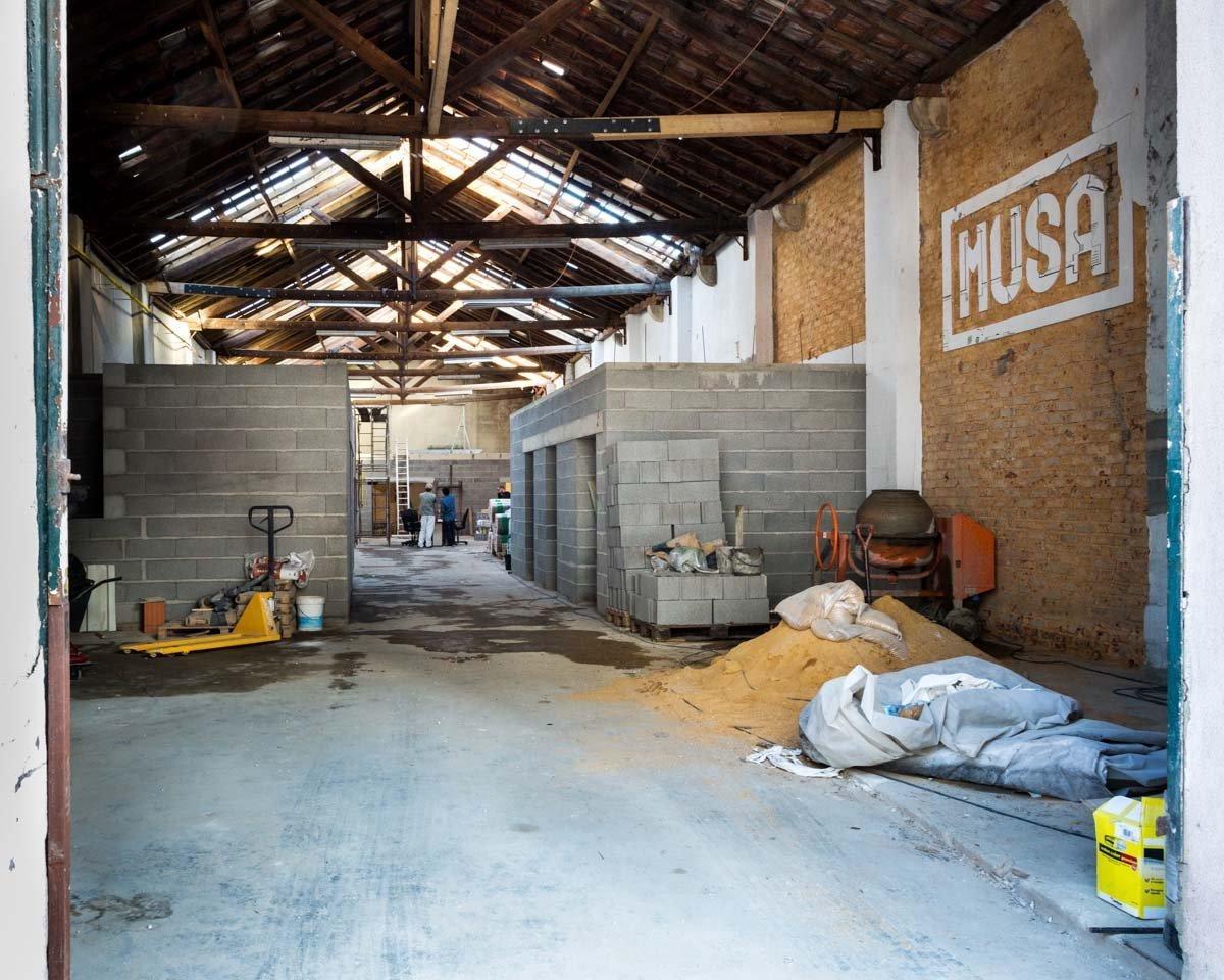 Reformulação de armazém para a fábrica de cerveja artesanal MUSA. Paulo Moreira architectures, foto Valter Vinagre.