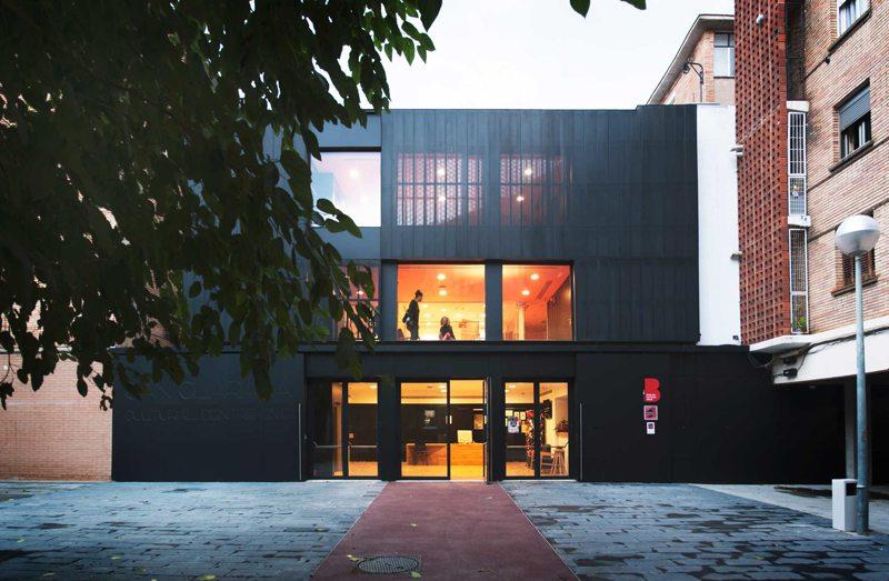 Exterior de Centro Cívico Can Clariana Cultural-BCQ Arquitectes