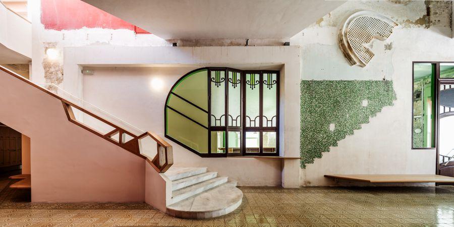 Interior de la Sala Beckett, Flores & Prats | Foto de Adrià Goula