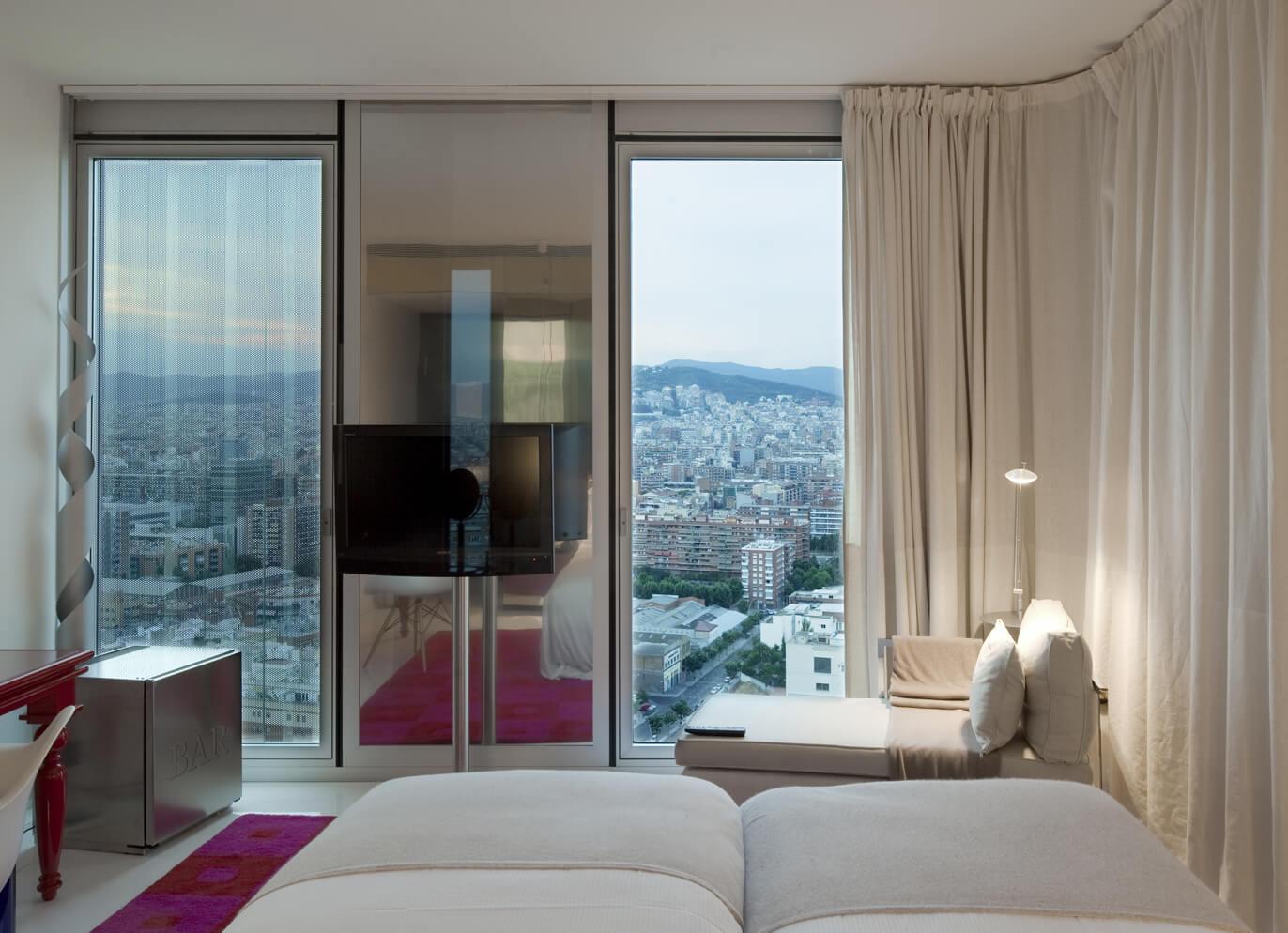 Hotel-Eme-Dominique-Perrault
