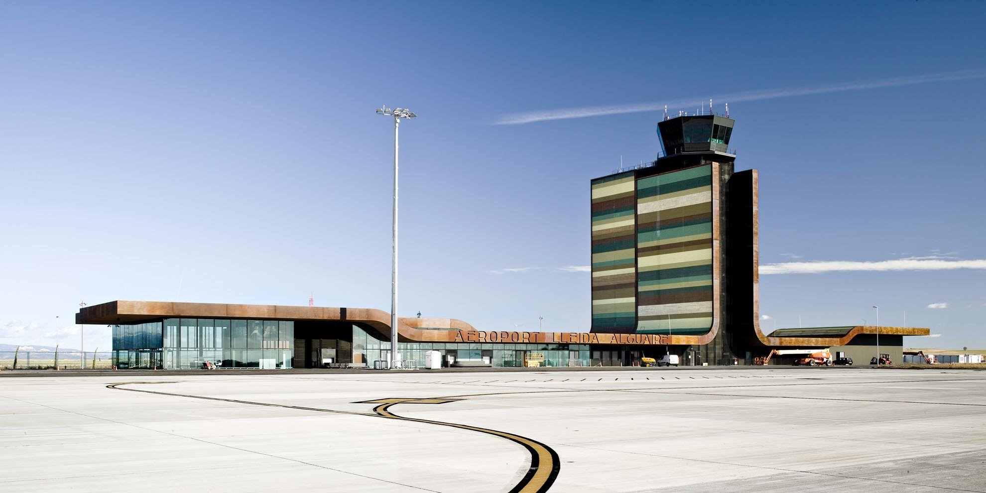 Aeropuerto de Lérida. Fermín Vázquez- b720:
